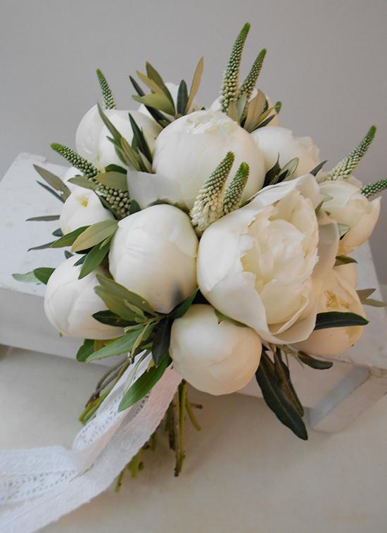 bouquet peonie e ulivo matrimonio toscana