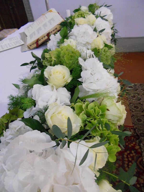 altare bianco e verde