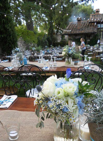 Fiori blu per un matrimonio rustico chic