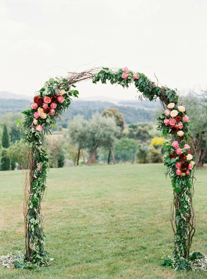 flowers for wedding arch la gardenia arezzo wedding florist 4269