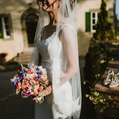 Colorful wedding in Cortona