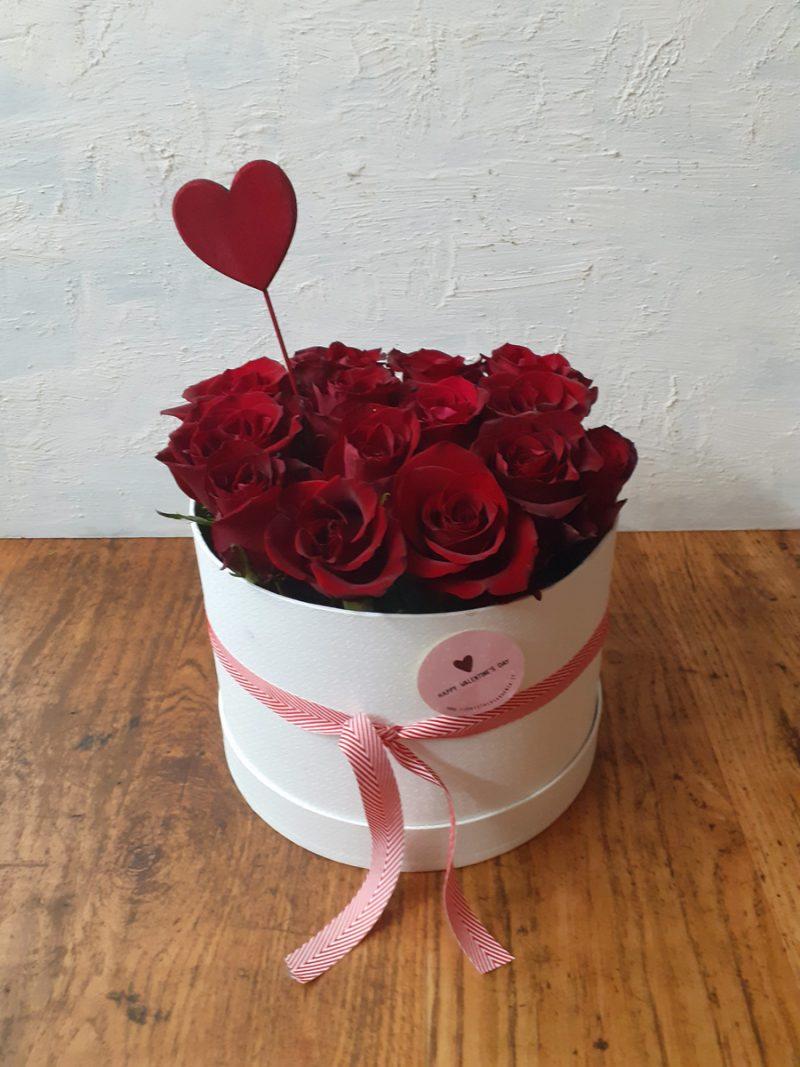 cappelliera rose rosse